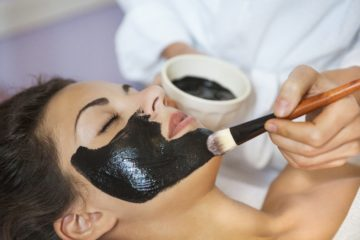 Face mask of gelatin and activated charcoall